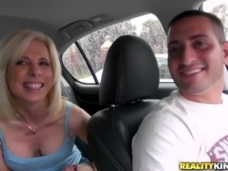 That's a mommy that we all like seeing sucking cock. Jodie never says no to a...