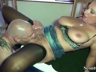 Big tit german mom jenny pay the worker with fuck