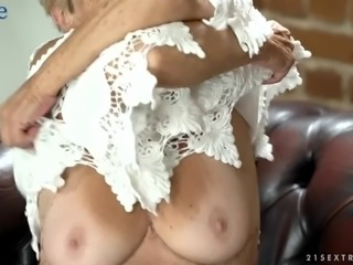Fat mature wrinkled whore Malya is still rather good at riding dick