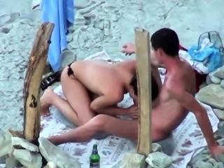 Lustful amateur milf reveals her blowjob skills on the beach