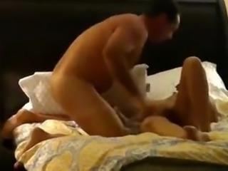Pretty soccer mom MILF orgasm in real homemade