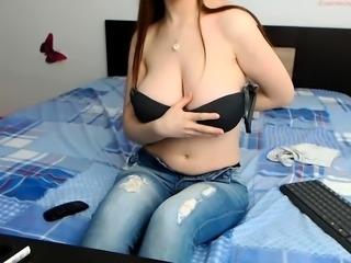 amateur princesanarcos fingering herself on live webcam