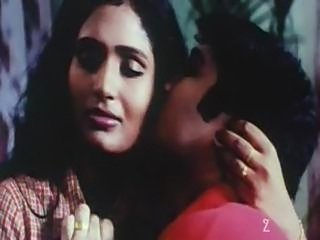 Classic Indian mallu aunty exposed with bouncing boobs nice