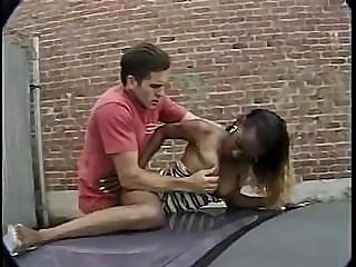 Ebony gal run through the paces as she gets fucked in the alley