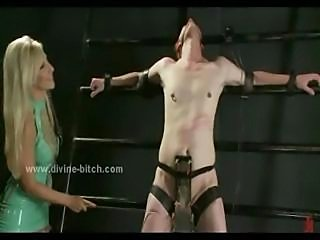 Sado maso mistress taking care of her black slave in body damaging extreme...