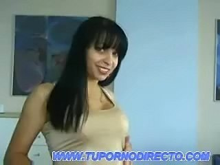 Morena enseñandonos por su webcam